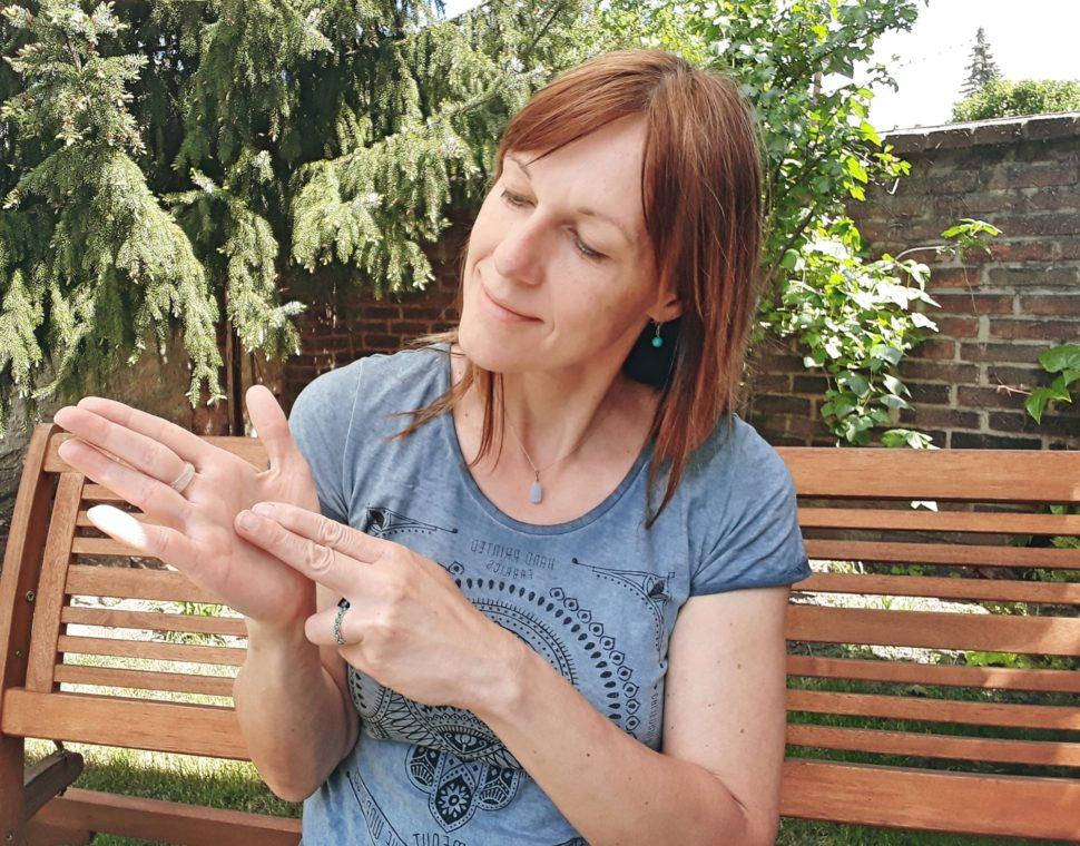 Okamžitá úleva napětí - kineziologické korekce prstů adlaně